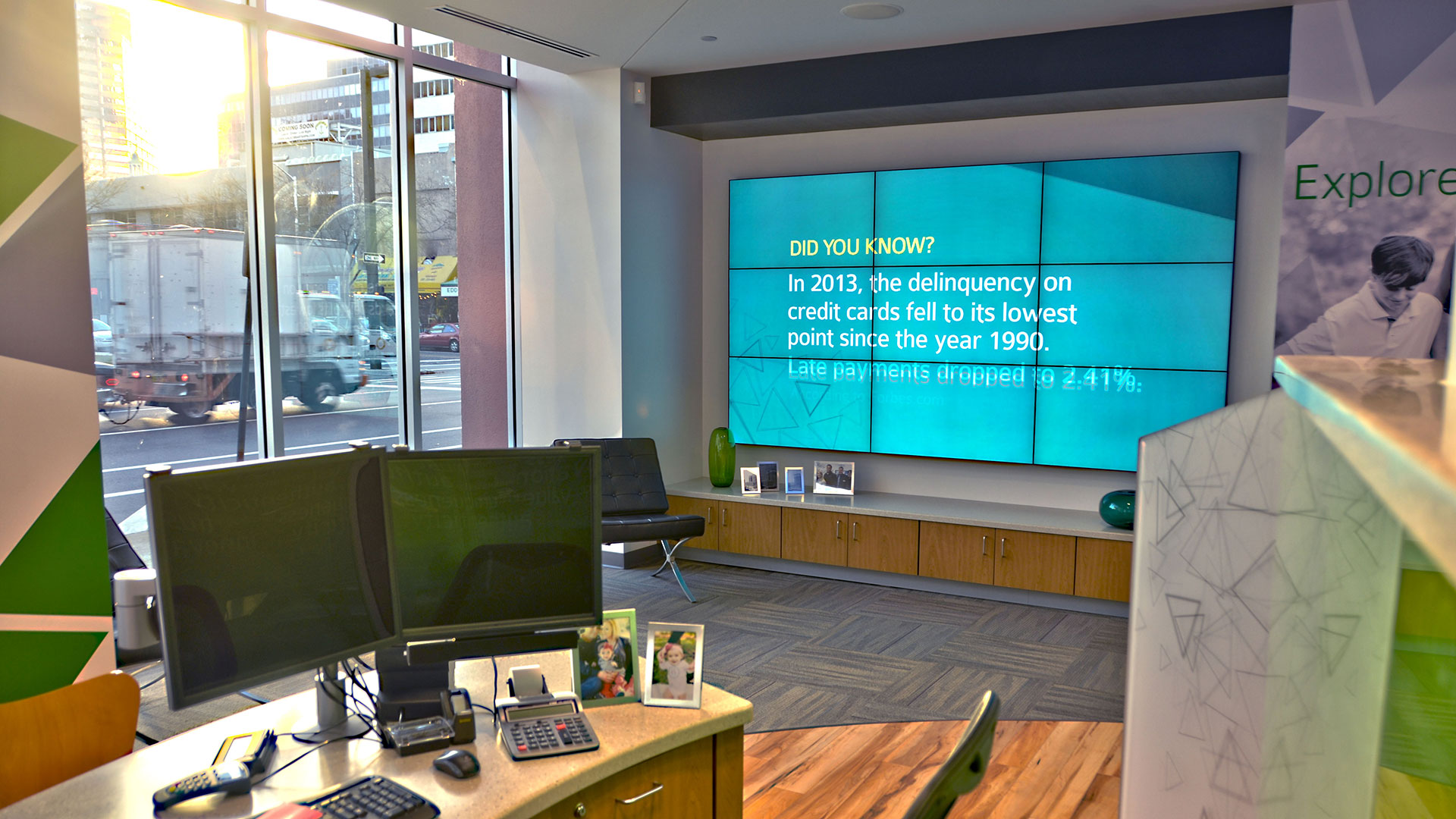 digital signage retail media solutions codigo s multi screen video wall installation